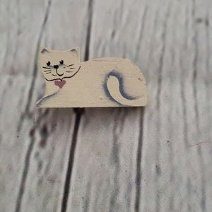 VINTAGE HAND MADE WOOD CAT LOVER BROOCH PIN